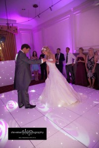 white-dance-floor-star-wedding